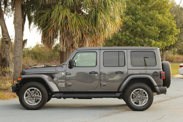 Pre-Owned 2018 Jeep All-New Wrangler Unlimited Sahara