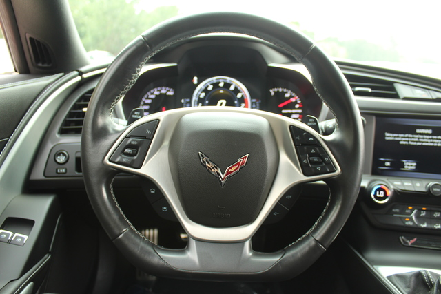 Pre-Owned 2017 Chevrolet Corvette 1LT