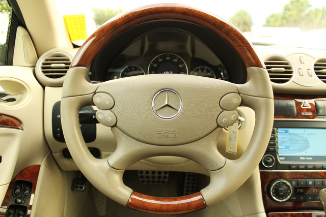 Pre-Owned 2009 Mercedes-Benz CLK350 3.5L